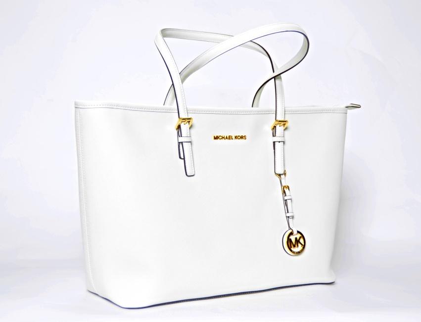 5dd1e6ca01 Michael Kors - JET SET TRAVEL OPTIC WHITE - Kožená kabelka - TOPDIMILANO